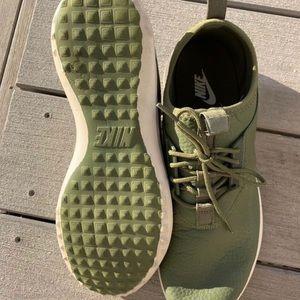 Women's Nike Juvenates